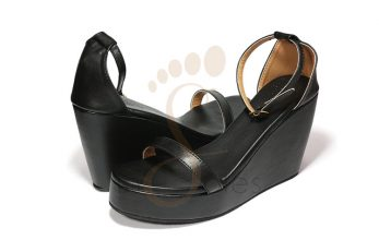 01-wedge-black-pic1